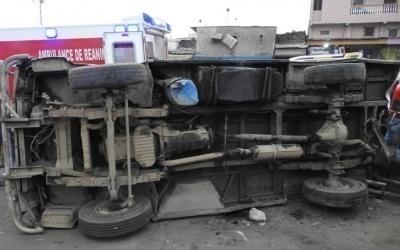 cote d ivoire un v hicule de transport de marchandises cause la mort de trois personnes. Black Bedroom Furniture Sets. Home Design Ideas